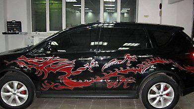Красный дракон на джипе