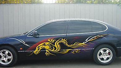 Эмблема дракона на машине