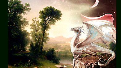 Красивый белый дракон на скале
