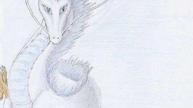 Белый дракон с благородными усами